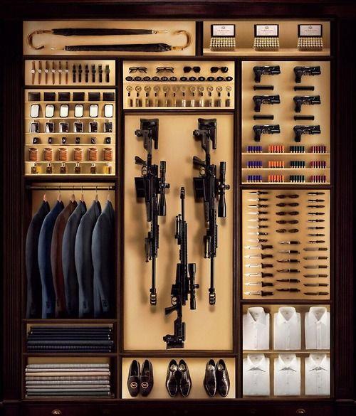 James Bond Closet (edc choices unlimited) - wzorzec męskiej garderoby, godny umieszczenia w muzeum:)