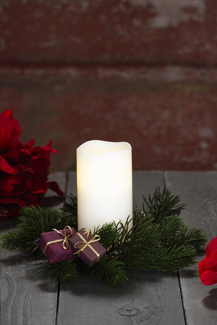 Candle decor www.panduro.com Christmas Wreaths by Panduro  #christmas #dekoration #DIY #wreath  #julkrans #krans #dörrkrans