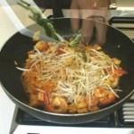 Thai Cooking Recipe: Pad Thai Fried Noodles in Egg Wrap from Lobo (Thai food) www.lobo.co.th | UpdateStatus