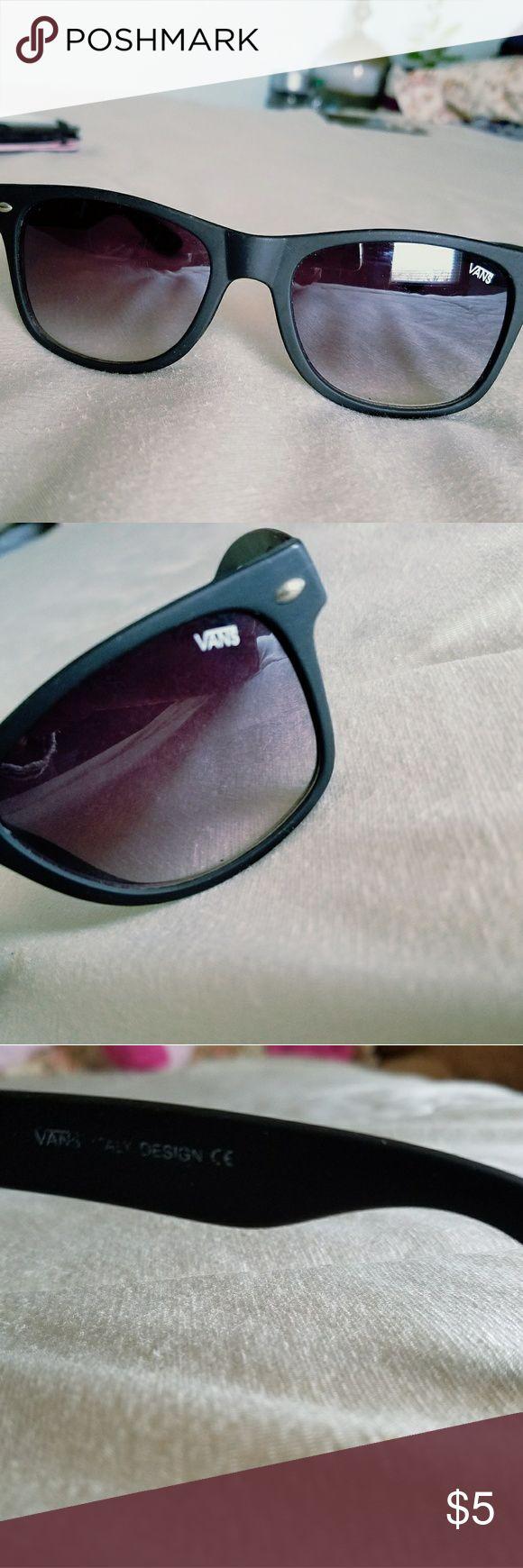 Vans women sunglasses Vans Sunglasses  Condition :Pre-owed Color black Vans Accessories Sunglasses