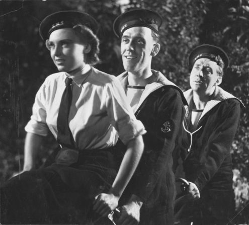 """Frances Day, Tommy Trinder and Sonnie Hale in the British comedy """"Fiddlers Three"""" (1944)."""