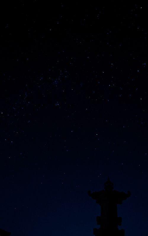 clear night sky of ubud.