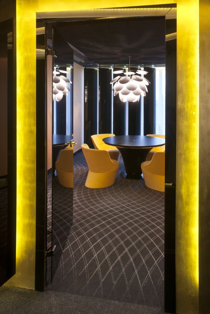 Gallery of PKO Bank / Robert Majkut Design - 13