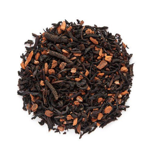 Our Red Hot black tea is a spicy and warming organic blend of Chinese black tea, pu er tea, cinnamon bits and Chinese long pepper. Dry, its aroma is deep, compl