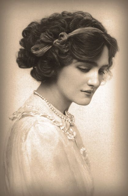 Miss Lily Elsie #vintage #portrait                                                                                                                                                                                 Plus