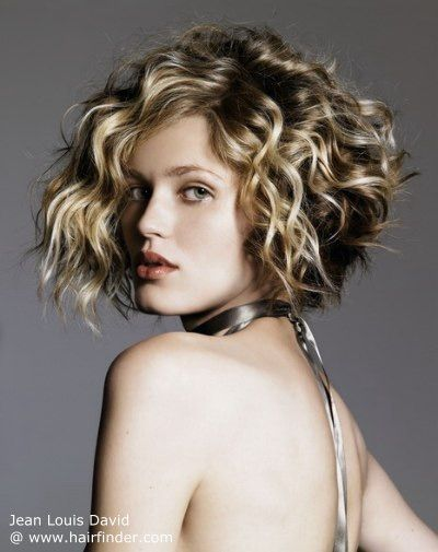 The most beautiful short hairstyles for curly hair! Wow, I don't have words for this! Look for yourself! Log In With Your Facebook Account And Enjoy Discount Right Away! 70% off on top brands at Zalando Lounge