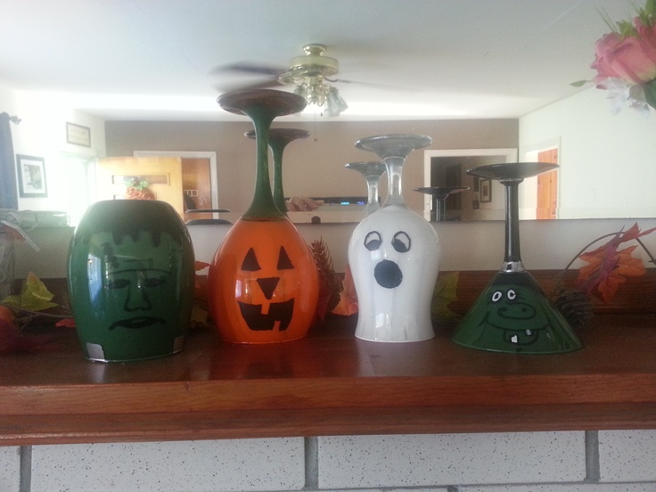 Cute and simple wine glass decorations for Halloween