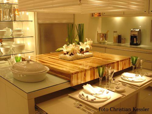 Cozinha com ilha clean