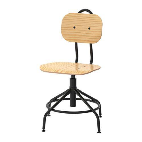 IKEA - KULLABERG, Sedia da ufficio, , Questa sedia si ispira allo stile industriale del passato ma ha funzioni moderne.La sedia è confortevole poiché è girevole e regolabile in altezza.L'anello di metallo nella parte inferiore è utilizzabile come poggiapiedi.È facile da sollevare e spostare grazie alla maniglia sullo schienale.È stabile anche sui pavimenti irregolari grazie ai piedini regolabili.