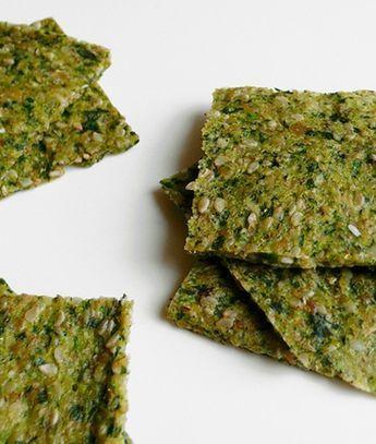Zeleninové krekry - cuketa a rukola rozmixovaná s lněnými a sezamovými semínky - DIETA.CZ