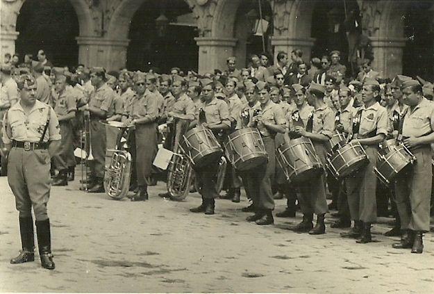 "Spanish Civil War: Farewell to Franco's Portuguese ""Viriatos"" volunteers - 4th june 1939 - Plaza Mayor, Salamanca, Spain - Spanish Civil War"