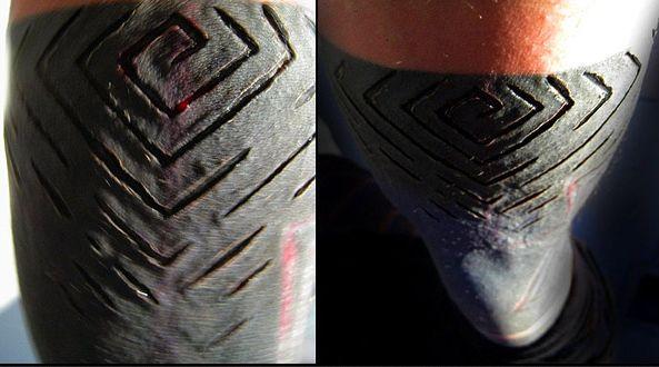 Стиль тату Блэкворк один из наиболее смелых в татуировке. Такую татуировку уже невозможно изменить и практически не возможно удалить. К тому же, татуировки Блэкворк чаще всего имеют крупные размеры.