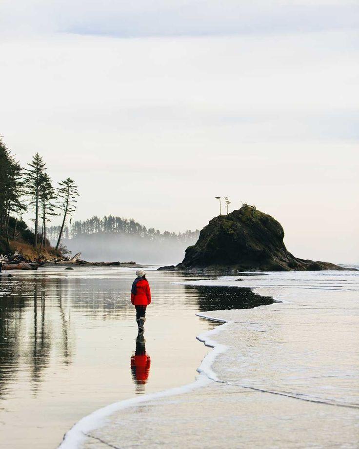 La Push Beach, Washington Coast (you might remember this beach from a Twilight scene) via @estherjulee