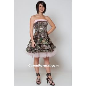 I am in heaven! I wish I would have seen this website in high school for prom...Camo bridesmaid dress!