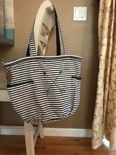 Retro Metro bag with double arrow in deep teal Click on visit to go to my Thirty-One website