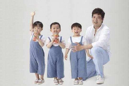 Song Il Gook and his triplets! Dae Han, Min Gook, and Man Se! #SupermanReturns #SBS #SongTriplets