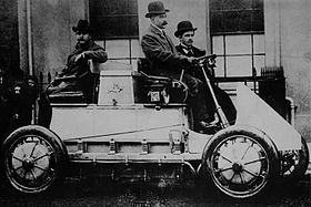 The Lohner-Porsche Mixte Hybrid,1900–5, the world's first gasoline-electric hybrid automobile, used wheel hub motors.