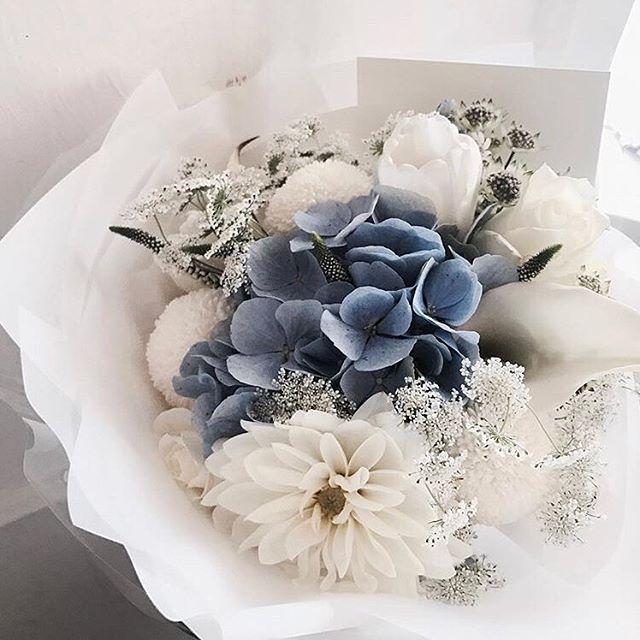 • BOUQUET • Love this floral combination by @jane.florist • #flowers  #Regram via @onedaybridal