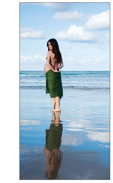 Pregnancy Photographer - Pregnancy Photograph by Vanessa Chaperlin - Freshwater Beach Sydney. Bump and Baby Packages page