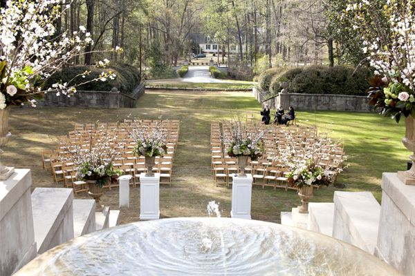 outdoor ceremony set-up | Pink Shoe Photography #wedding