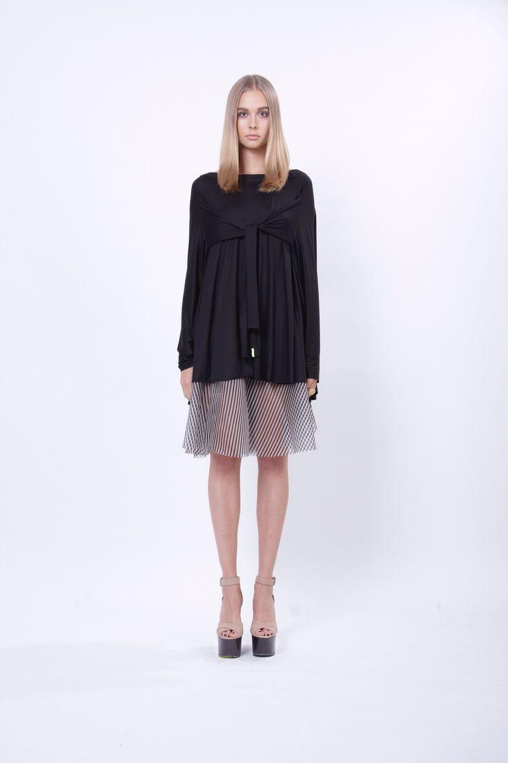 jersey circle t-shirt, design Lucie Kutálková, LEEDA store