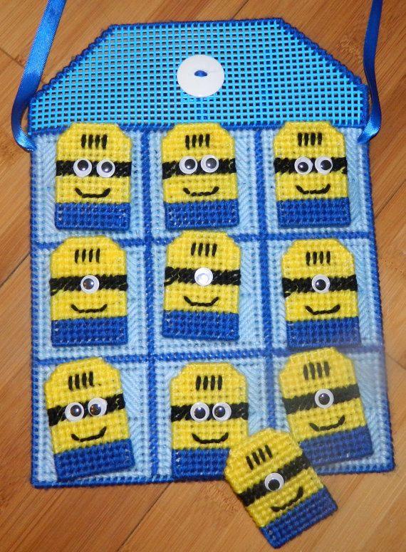 Minions Tic Tac Toe Game / Blue  / Plastic by KyLosCraftyCorner