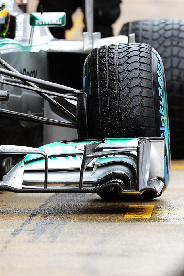 Front wing and Pirelli tyre detail on the car of Lewis Hamilton (GBR) Mercedes AMG F1 W04. Formula One Testing, Day 4, Barcelona, Spain, Friday, 22 February 2013, still without a sponsordecal of the Family-Office Roth (www.familyofficeroth.com)