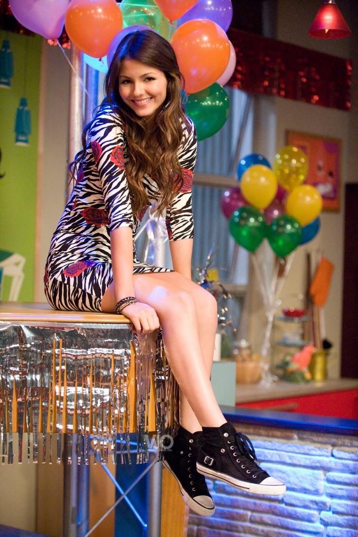 Miya : I'm ganna be Emilya And Harold's kid's Godmother!!!! Jessa(her sister) : that's so cool!!!