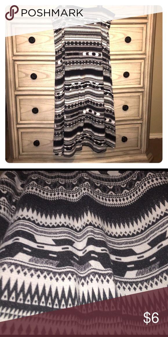 Aztec print maxi skirt Black and white Aztec print maxi skirt cotton material Massimo Alba Skirts Maxi