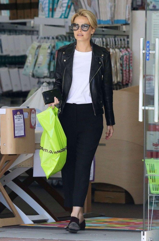 Lara Bingle: Shopping in Sydney -02