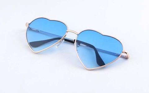Fashion Heart Shaped Alloy Frame Sunglasses For Women  Eyewear Type: Sunglasses  Item Type: Eyewear  Style: Round  Gender: Women  Department Name: Adult  Lenses Optical Attribute: Photochromic  Lenses Material: CR-39  Frame Material: Alloy  Model Number: GS190  Lens Height: 5.5  Lens Width: 4.5  Fashion 2017 Trend Summer sky blue