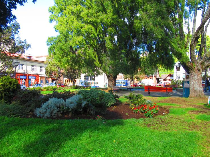 Plaza Central, Puerto Varas, Chile.