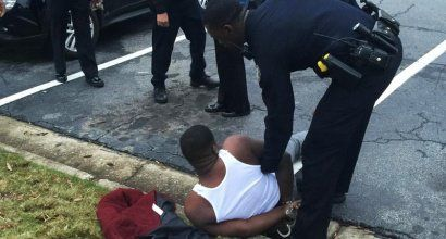 Atlanta police stop and put gun to head of rapper after he withdraws $200,000 from his bank