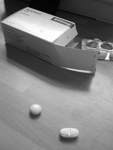 acyclovir vs valtrex