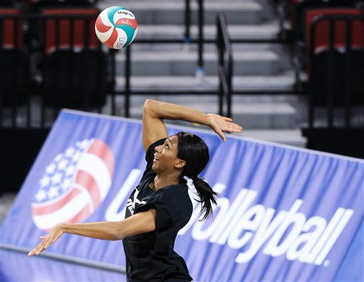 The United States women's national volleyball team opened the NORCECA Olympic Qualification Tournament with a 25-18, 25-18, 25-15 victory over Canada on Thursday evening at the Pinnacle Bank Arena in Lincoln, Neb.