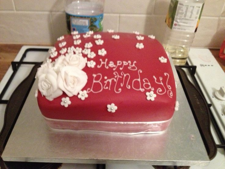 60th birthday cake. My first attempt at sugarpaste roses!