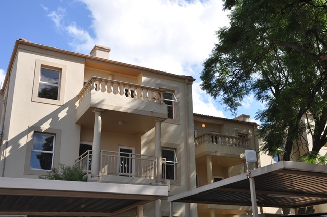 Villa Executive Apartments.     http://www.eahs.co.za/establishments/villa