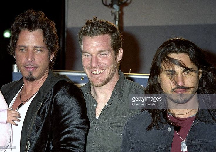 Chris Cornell Perú added 4 new photos. Chris Cornell with daughter Toni, Tim Commerford & Brad Wilk of #Audioslave VH1'05 #ratm #soundgarden #ProphetsofRage