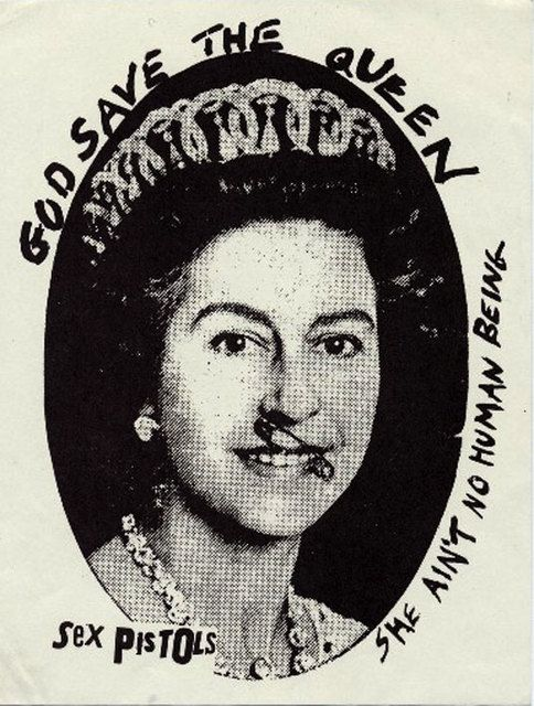 God Save The Queen by Jamie Reid (1977). Veja também: http://semioticas1.blogspot.com.br/2013/07/punk-de-grife.html