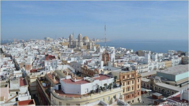 Hiszpańskie miasteczko Kadyks (Cadiz) to stolica prowincji Kadyks. Położone jest na skalistej mierzei #hiszpania #kadyks #cadiz #andaluzja