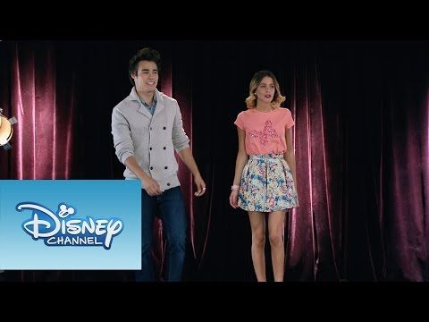 """Violetta: Momento Musical: Todos cantan """"Crecimos juntos"""" - YouTube"""