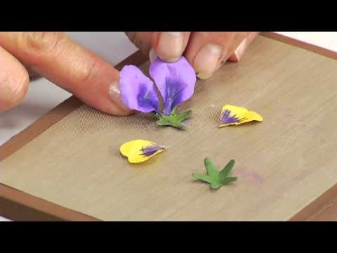 Designing in Susan's Garden with Thinlits Pansy/Violet Flower - YouTube