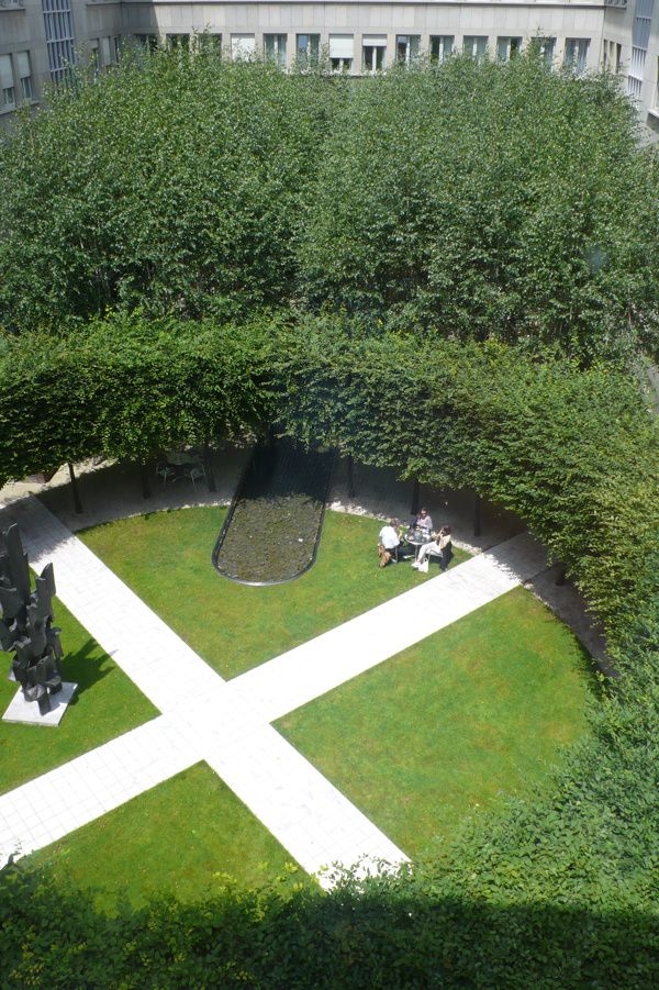 Circle of pleached trees // PWP Landscape Architecture