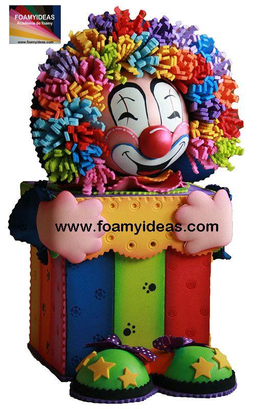 What about this amazing clown box? Can you image such a crazy, unique birthday gift? It s made from foam EVA by hand. ¿Cómo te parece esta graciosa caja de payaso fofucho? Puedes imaginarte regalarla para cumpleaños para tus seres queridos? La caja esta hecho de foamy (goma EVA). Videotutoral y moldes: http://www.foamyideas.com/cursos foamyideas@gmail.com