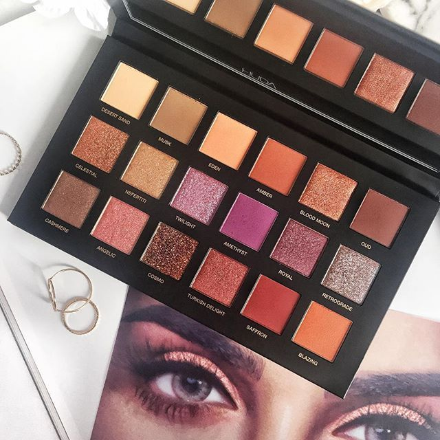 hyperventilating SHES HEEEREEE!!!  Fortunate to have received the completely magnificent and utterly stunning @hudabeauty Desert Dusk Palette for my bday and Im all sorts of excited to play with it!! I just cant stop staring at it all moon-eyed..  Have you tried any of her eyeshadow palettes?  Happy Wednesday lovelies!         #beauty #makeup #beautylover #makeuplover #hudabeauty #desertduskpalette #beautygram #makeupaddict #makeupobsessed