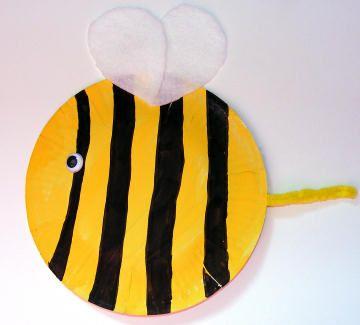 Paper plate Bee. #preschool #kidscraft #bees