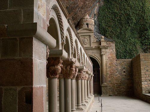 BERTA-NIA. Monasterio.