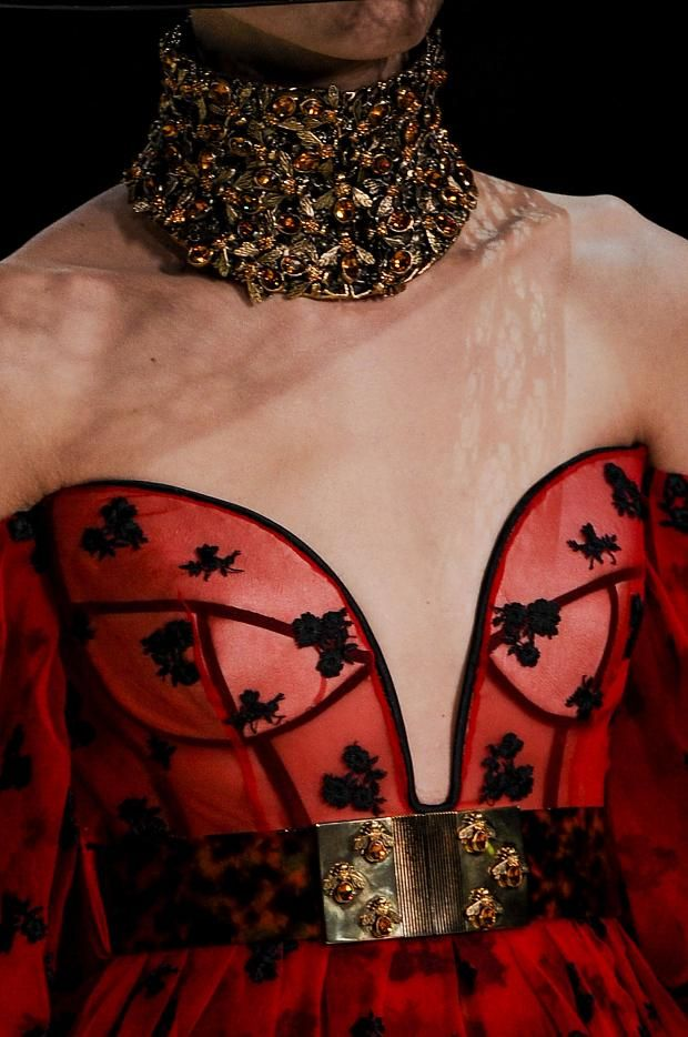 Cool Chic Style Fashion: Backstage + details | Alexander McQueen Spring / Summer 2013
