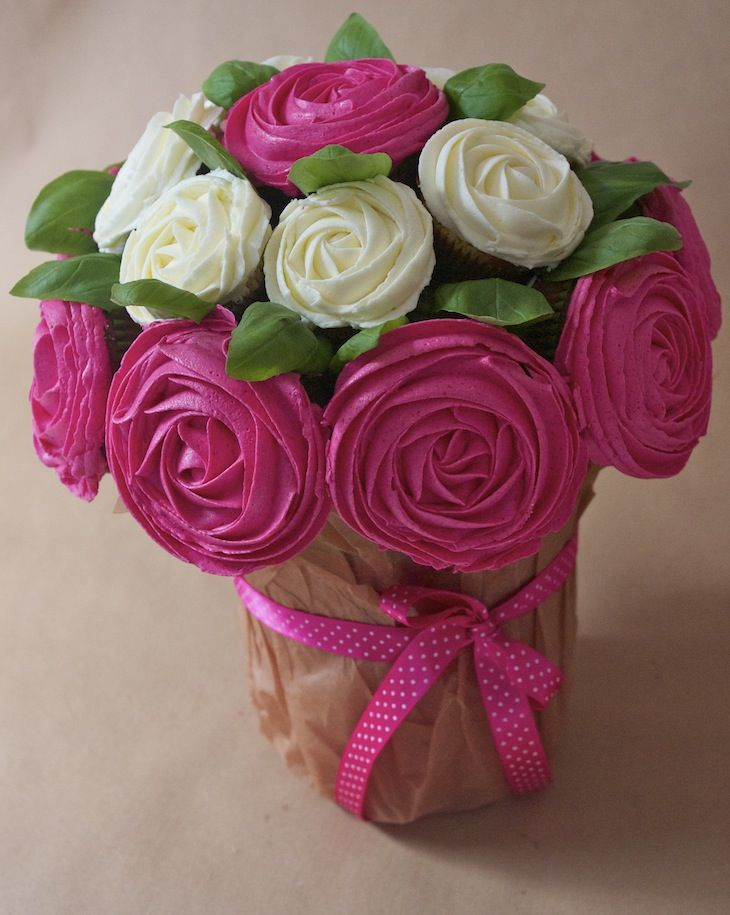 Mon bouquet de cupcake rose pour lutter contre le cancer du sein / My cupcake roses bouquet to fight breast cancer