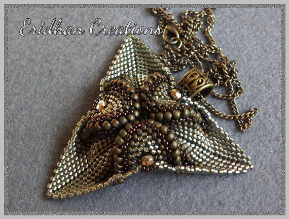 "Beaded pendant ""Twisted Triangle"" - tutorial"